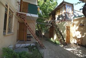 "Гостевой дворик ""Высокий берег"" (Анапа, ул. Тургенева 36)"
