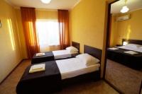 Двухкомнатный четырехместный номер  с удобствами и балконом - Витязево