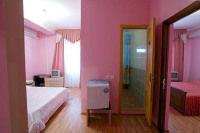 Двухкомнатный семейный номер с удобствами и балконом - Витязево