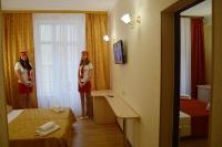 Семейный двухкомнатный четырехместный номер с балконами - Витязево