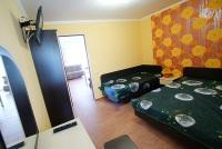 Трехкомнатная квартира с кухней-столовой и балконами - Витязево
